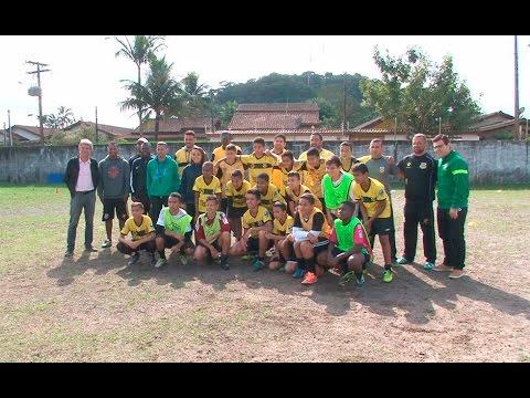 TV Costa Norte - Representante da CBF Social visita projeto Tigrinho em Bertioga