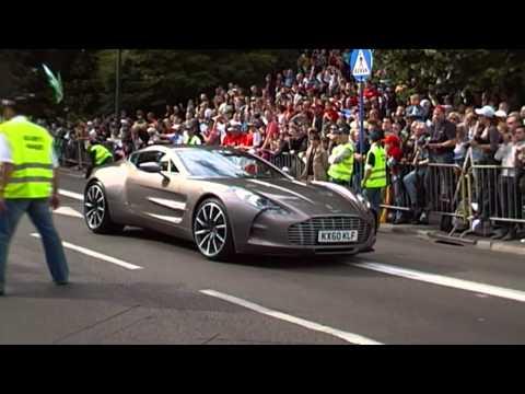 Aston Martin One 77 Vs Bugatti Veyron  photos