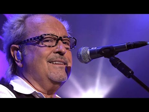 Foreigner - I Want To Know What Love Is 2010 Live Video HD видео