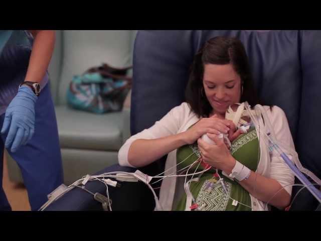 Video cảm động với đứa bé sinh non 3 tháng