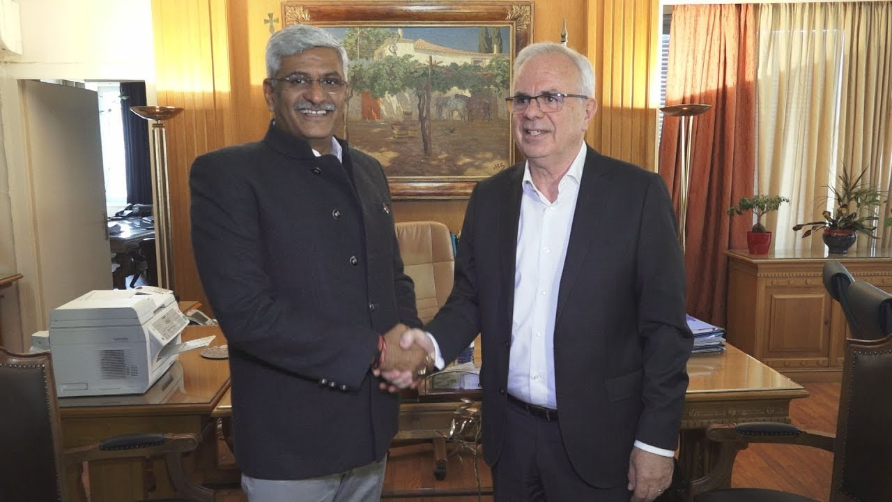 H σύσφιγξη των εμπορικών σχέσεων Ελλάδας-Ινδίας σε συνάντηση στο ΥπΑΑΤ