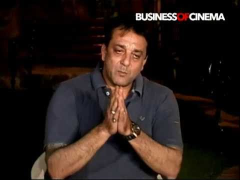 Sanjay Dutt clarifies on controversy caused by Amar Singh's remarks