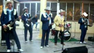 Download Lagu EL TROQUERO - LOS LLANEROS DE GUAMUCHIL Mp3