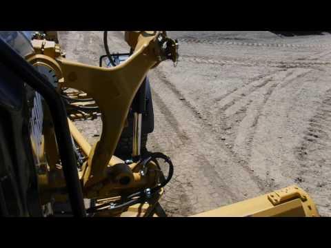 CATERPILLAR MOTONIVELADORAS 160M2 equipment video EFUgMOJrtsU