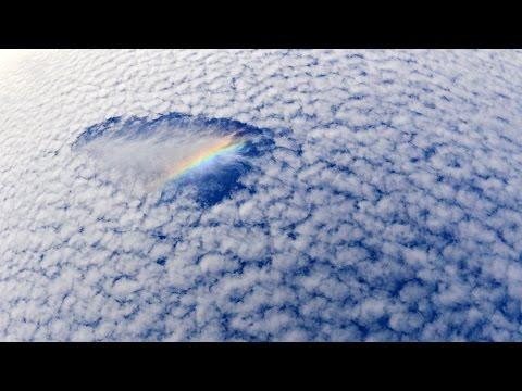 冬の空にうろこ雲 環水平アークも 神戸