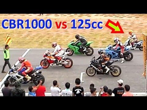 scooter 125cc gareggia contro cbr 1000rr e kawasaki ninja!