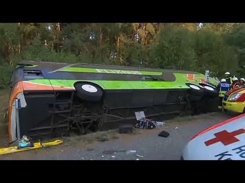 Γερμανία: Λεωφορείο εξετράπη της πορείας του- Πολλοί τραυματίες…