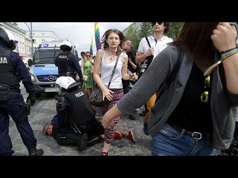 Πολωνία:Ένταση με ακροδεξιούς σε πορεία της ΛΟΑΤΚΙ κοινότητας…