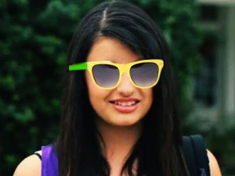 Rebecca Black + 2 beaux mecs = Epic Win