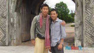Việt Kiều Mỹ John Hùng Trần đi Bộ Xuyên Việt Gây Quĩ Từ Thiện