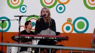 Coeur de Pirate - Umbrella (Live Cover) @ Parc Cousineau 7/22/09