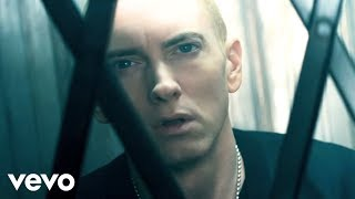 Eminem vídeo clipe The Monster (feat. Rihanna) (Explicit)