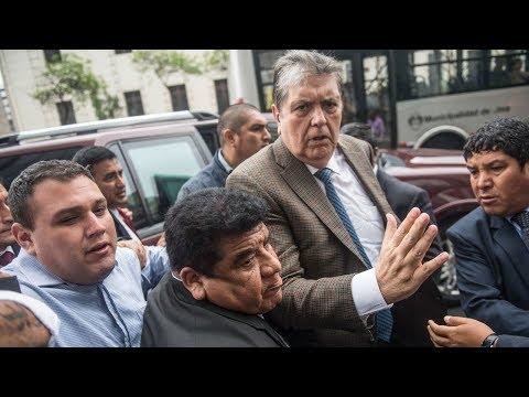 В Перу вспыхнули протесты после бегства экс-президента в посольство Уругвая