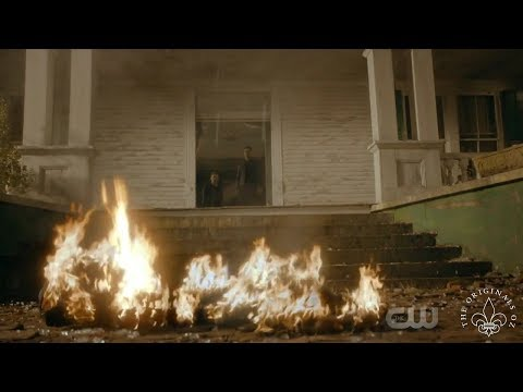 The Originals 5x06 Klaus and Elijah watch Hayley die