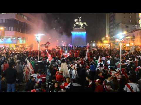 Festejos de hinchas de River en el Monumento a San Martín - Los Borrachos del Tablón - River Plate