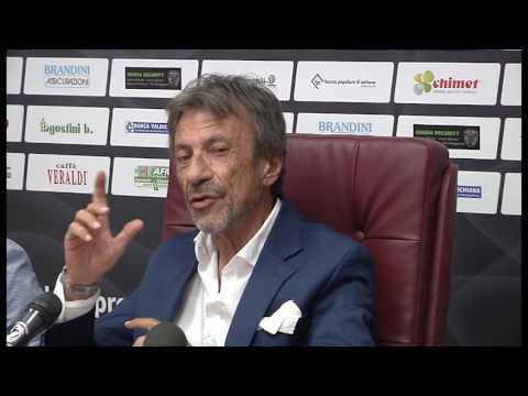 """US Arezzo, closing saltato. Ferretti: """"provveduto all'iscrizione, voglio andare in serie B"""""""