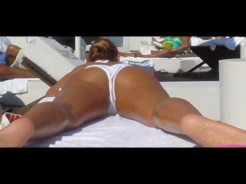 Pinar Altug Bikini Frikik