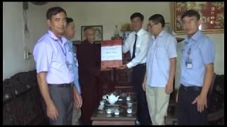Đồng chí Phó Chủ tịch UBND thành phố thăm, tặng quà các gia đình chính sách, người có công nhân dịp 27-7