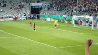 Gabor Kiraly hält Elfmeter gegen 1860 München
