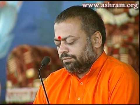 Video हरी तुम भक्तन के हितकारी ( गोपी गीत ) | Shri Sureshanandji Satsang download in MP3, 3GP, MP4, WEBM, AVI, FLV January 2017