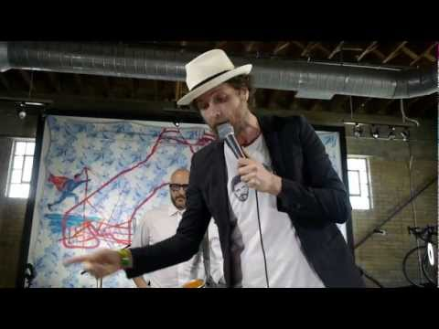 , title : 'Jovanotti - Attaccami La Spina (Live on KEXP)'