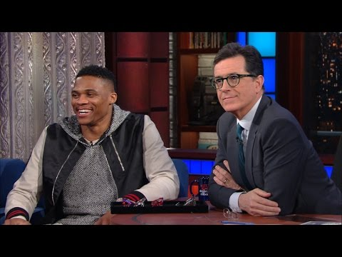 Russell Westbrook Gives Stephen An Eyewear