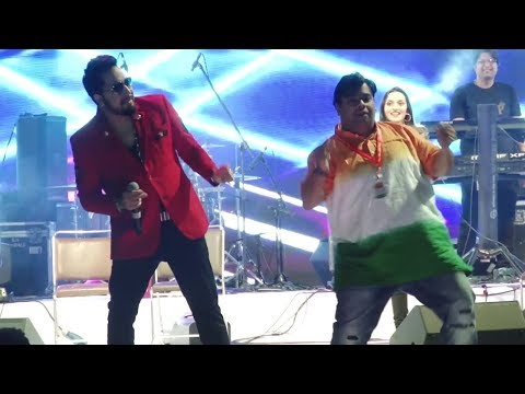 Mika Singh & Kiku Sharda Performing Live At Inauguration Of Mumbai Fest 2018