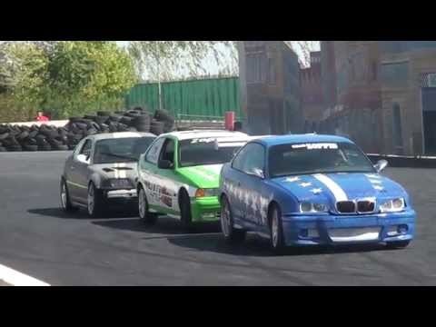 Download Car Stunt Show Video - Funny Video HD Mp4 3GP Video and MP3