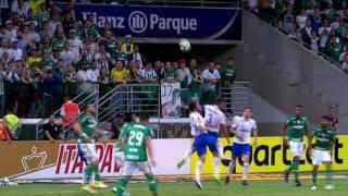 "Para Roger Flores, depois de gols ""de almanaque"" do Cruzeiro, Palmeiras o acuou"