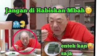 Download Video REAKSI MAJIKAN PERTAMA KALI MAKAN KUE LAPIS INDONESIA ||MAKANAN INDONESIA MP3 3GP MP4