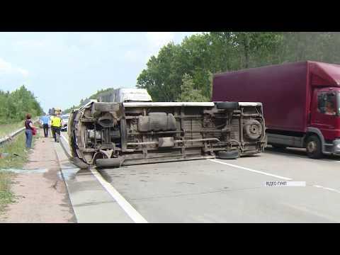 Жахлива аварія: Під Житомиром перекинувся мікроавтобус із пасажирами