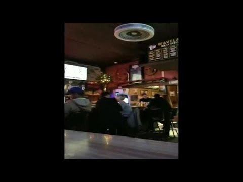Video: Bill Dix kissing woman in Des Moines bar
