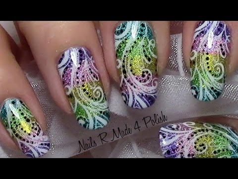 nail art molto colorata