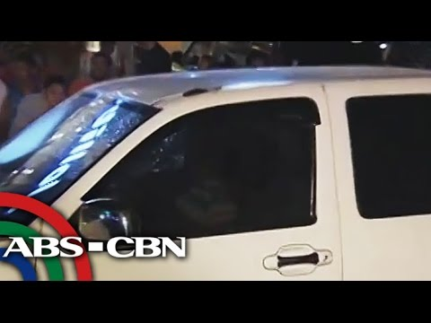 dies - A barangay chairman in Manila was dead in an ambush. The CCTV captured the suspects while escaping. Subscribe to the ABS-CBN News channel! - http://bit.ly/TheABSCBNNews Watch the full episodes...