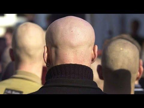 Rechtsextreme Hooligans: Polizei-Razzien in vier Bundesländern