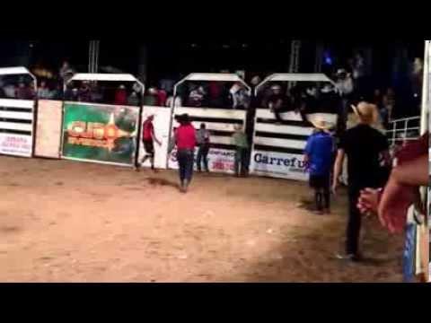 Tadeu Gregorio vs Praiero rodeio de Sapucai Mirim Mg 2013