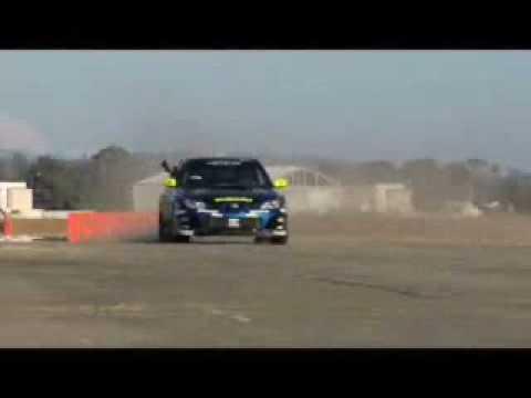 König Drift - Er hats wirklich drauf. Der Fahrer dieses 530 PS starken Wagens driftet an allen möglichen und unmöglichen Stellen. Muss man...