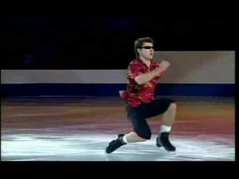 yagudin - Uma sensacional apresentação do patinador russo Alexei Yagudin, ao som de Animal House - Shout. Ótima qualidade.