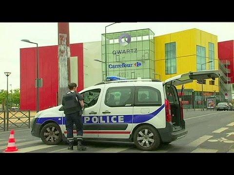 Γαλλία: Εισβολή ενόπλων σε εμπορικό κέντρο