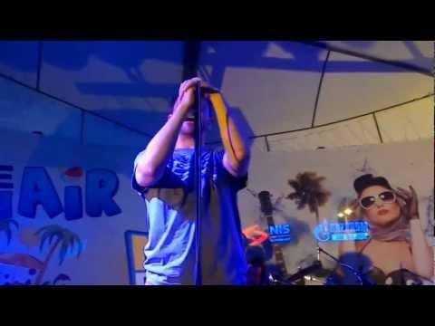 Regina - Ljubav nije za nas (LIVE Naxi Plaža 2012)