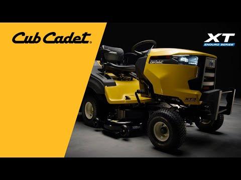 Садовый трактор CUB CADET XT3 QR106E с травосборником - видео №2