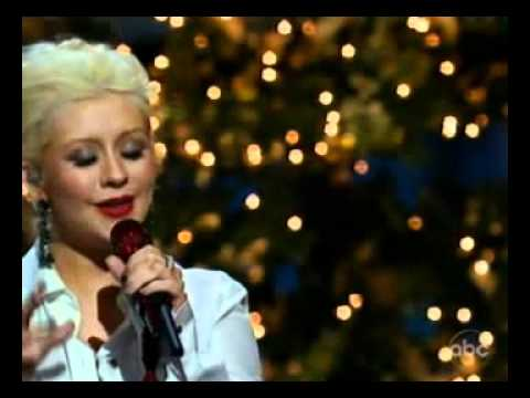 Christina Aguilera Performs 'Have Yourselves a Merry Little Christmas'