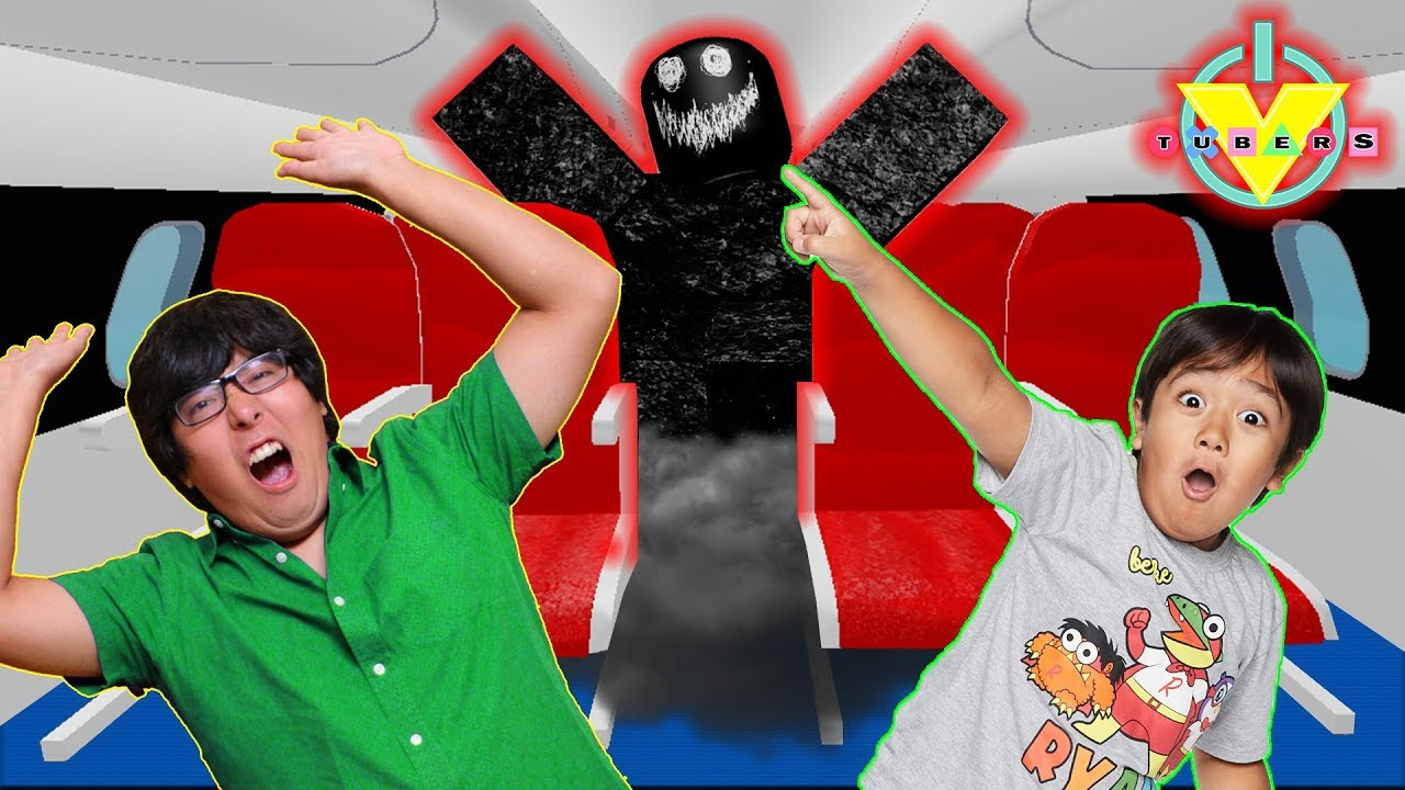 RYAN vs DADDY ON SPOOKY HAUNTED ROBLOX AIRPLANE ! Lets Play Roblox - YouTube