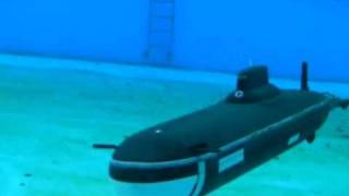 http://rcmodelsubmarines.co.uk My 1:100 scale Radio Controlled Typhoon submarine, filmed underwater at Brockwell Lido in ...