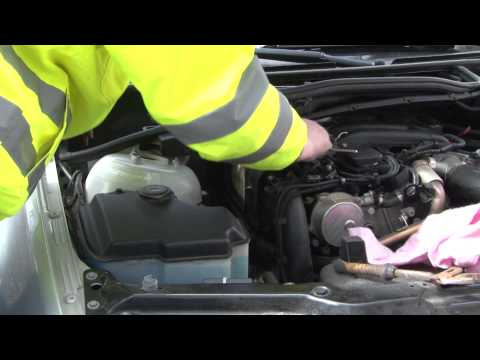 BMW 3 Series - Diesel engine air filter replacement DIY