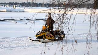 2. Ski-doo mxz 600 H.O & Yamaha Venture (Almost top speed)