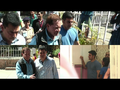 Arbaaz Khan & Salim Khan Cast Their Vote For Bmc Election 2017