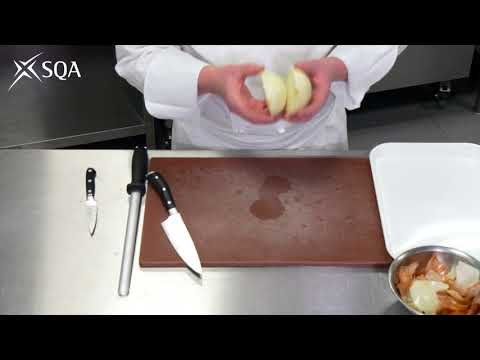 SQA Practical Cookery - Knife Skills 1