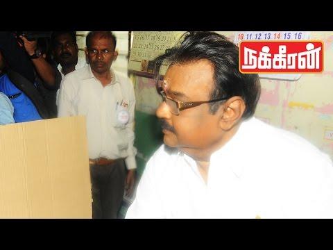 VIJAYAKANTH-casts-his-vote-TN-Election-2016