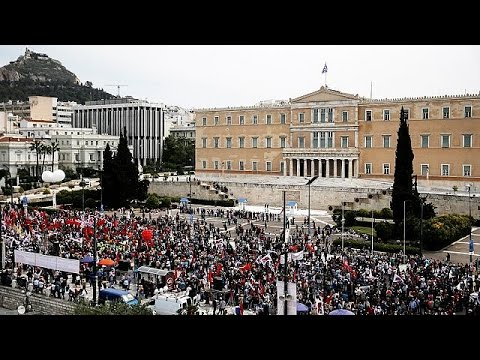 Αθήνα: «Χαριστική βολή» το ασφαλιστικό λένε οι διαδηλωτές